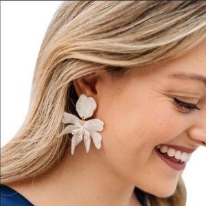 NWOT Lele Sadoughi Daffodil Earring